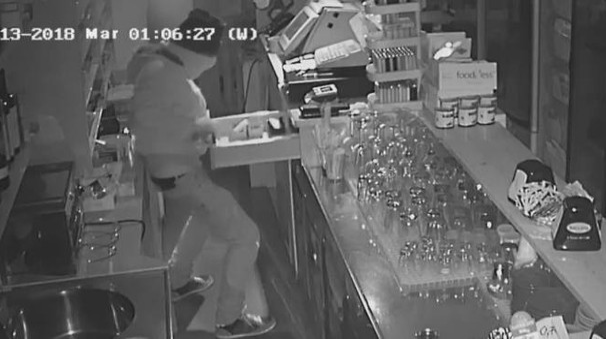 Il ladro in azione