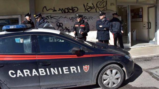 I carabinieri in piazza Attias (foto Novi)