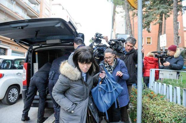Gli avvocati Monia Fabiani ed Elisa Ciciriello (Ansa)