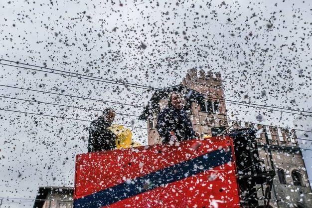 Il Carnevale in piazza anche per Martedì grasso (foto Schicchi)