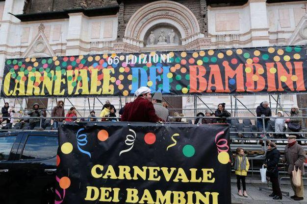I carri hanno sfilato nell'ultimo giorno di carnevale (foto Schicchi