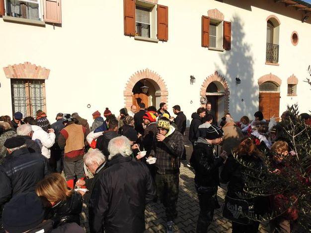 Sosta presso un'abitazione di via Dalle Vacche a San Patrizio (Scardovi)