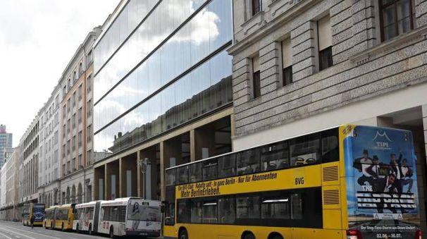 Mezzi pubblici a Berlino (Ansa)