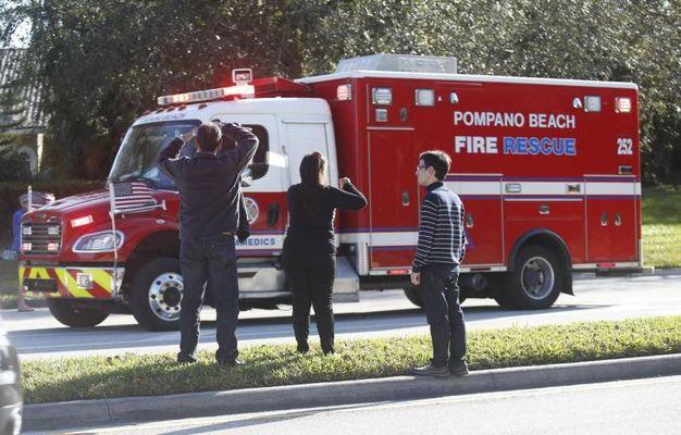 Strage a scuola in Florida, almeno 17 morti (Ansa)