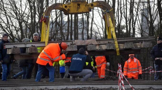 I rilievi scientifici della Polizia ferroviaria