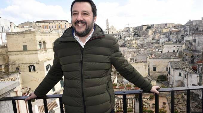 Matteo Salvini in campagna elettorale a Matera (LaPresse)