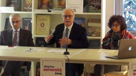 I professori  Mauro Bove (al centro), Giorgio Montanari e Cynthia Aristei
