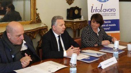 L'assessore regionale Gianni Berrino, il sindaco Peracchini e l'assessore Giacomelli
