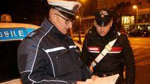 Un agente della Municipale con un carabiniere
