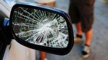 Quella dello specchietto rotto è una delle truffe più diffuse (Canali)