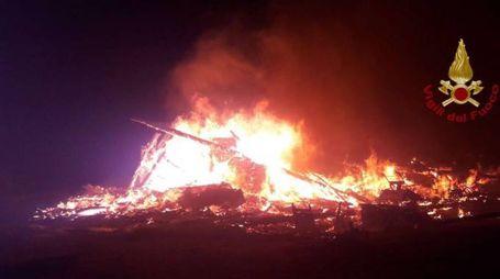 Calambrone, l'incendio al bagno Tirreno 2000