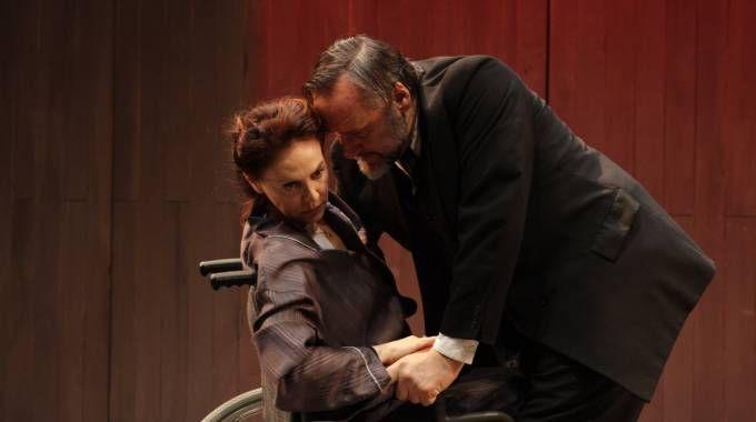 Elena Sofia Ricci con Maurizio Donadoni sul palco