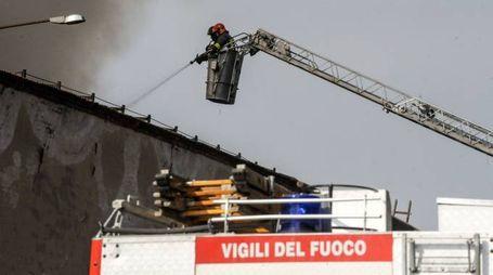 L'incendio a Solbiate Olona