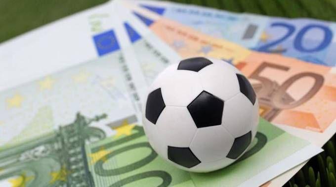 Tanti soldi per salvare il pallone