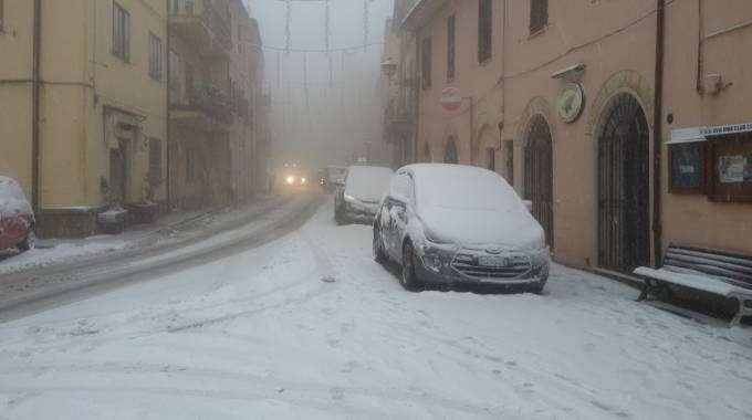 Neve in borgo Paolo Danti