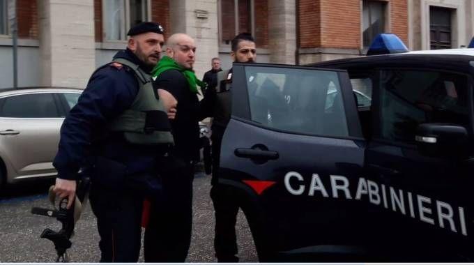 L'arresto  di Luca Traini al monumento ai caduti