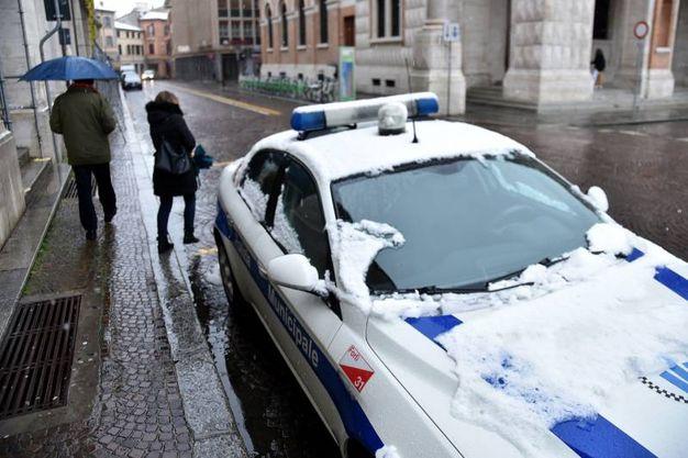 Neve sulle auto (foto Fantini)