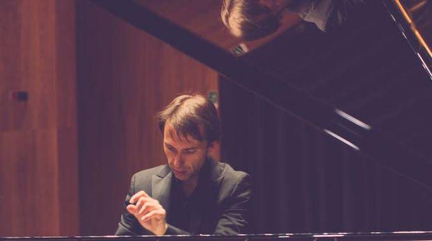 Maurizio Baglini è da sempre impegnato in un'opera di divulgazione della musica classica che superi barriere e pregiudizi da parte dei neofiti