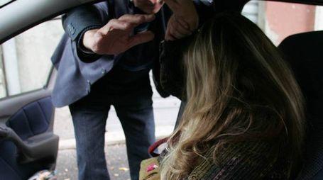 L'ex fidanzato era passato a prenderla in macchina