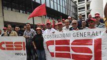 Una protesta degli ex lavoratori Cesi