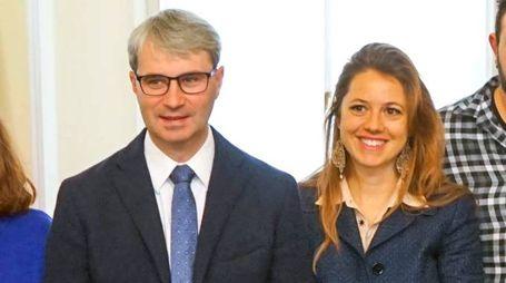 Il sindaco Davide Galimberti e l'assessore Francesca Strazzi