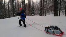Percorrerà 210 km attraverso l'Alaska trascinando una slitta