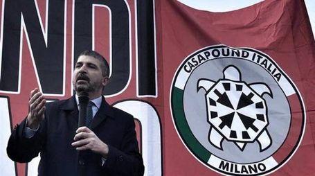 Il comizio di Simone Di Stefano a Milano