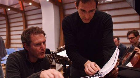 Carlo Tenan e Paolo Marzocchi preparano il concerto tenuto a Lampedusa