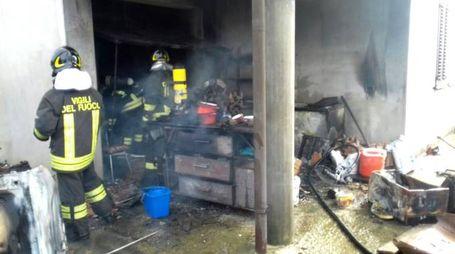 L'incendio è divampato sotto il porticato di una villetta (Scardovi)