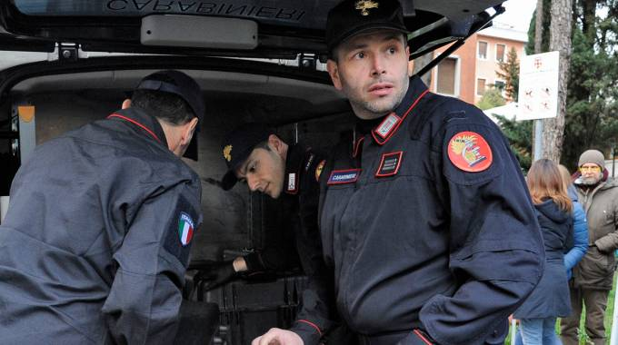 I carabinieri del Ris hanno già eseguito numerosi sopralluoghi in via Spalato (foto Calavita)