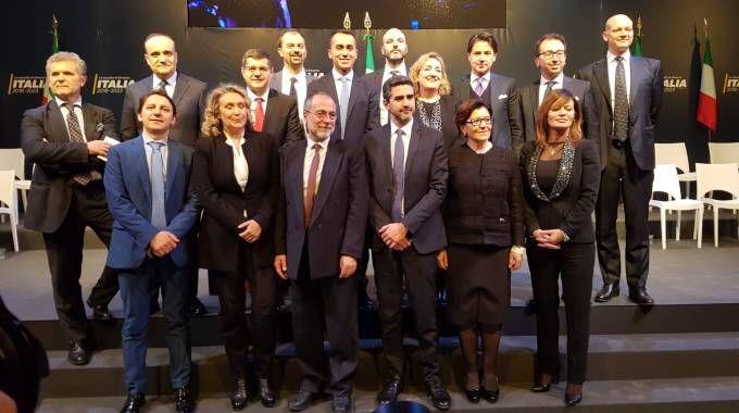 La foto di gruppo dei 'ministri' dell'ipotetico governo Di Maio (Dire)