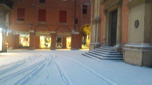 Bologna, piazza dei Celestini all'alba