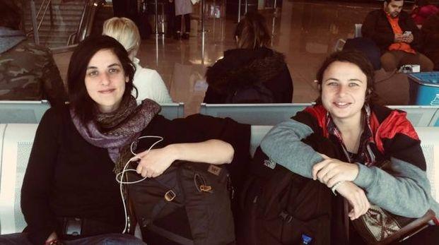 Sara Manisera, 28 anni, milanese e Arianna Pagani, trentenne  di Crema tornano domani dalla lunga trasferta in Iraq