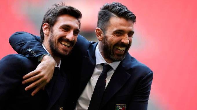 Davide Astori e Gigi Buffon (LaPresse)