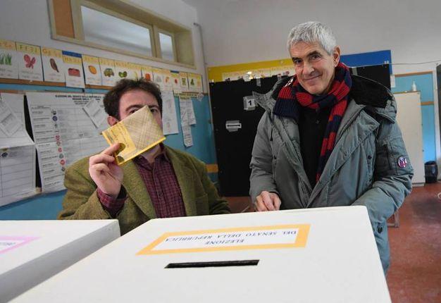 Pier Ferdinando Casini al voto (Foto Schicchi)