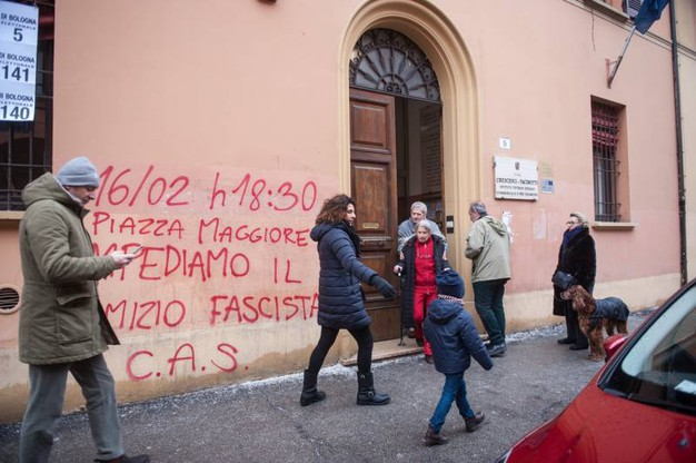 Entrata al seggio (Foto Schicchi)