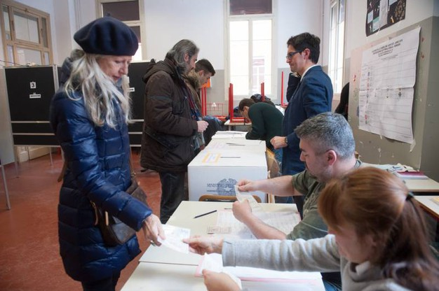 Al voto (Foto Schicchi)