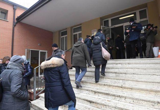 Entrata di un seggio (FotoSchicchi)