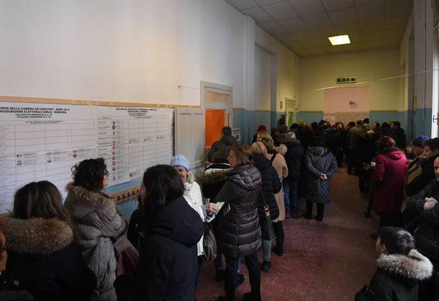 Entrata al seggio (Foto Schicchi