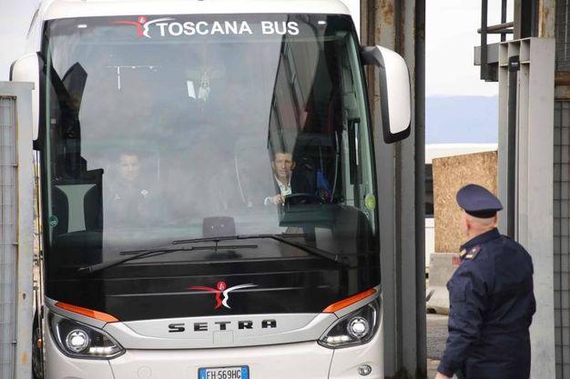 L'arrivo della Fiorentina all'aeroporto Vespucci di Firenze (foto Marco Mori/New Pressphoto)