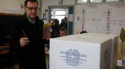 Massimiliano Alberghini ha votato a Porto Fuori (foto Corelli)