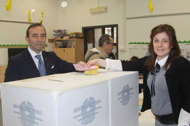 Alberto Di Carmine al voto (foto Labolognese)
