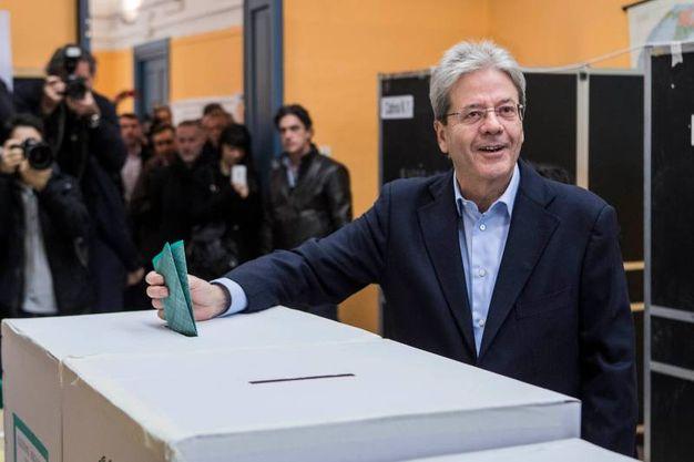Gentiloni vota a Roma (Ansa)
