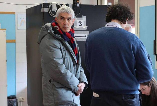 Il voto di Pierferdinando Casini (Ansa)