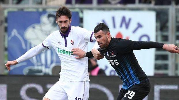 """Davide Astori a Bergamo da """"avversario"""" contro Andrea Petagna (Ansa)"""