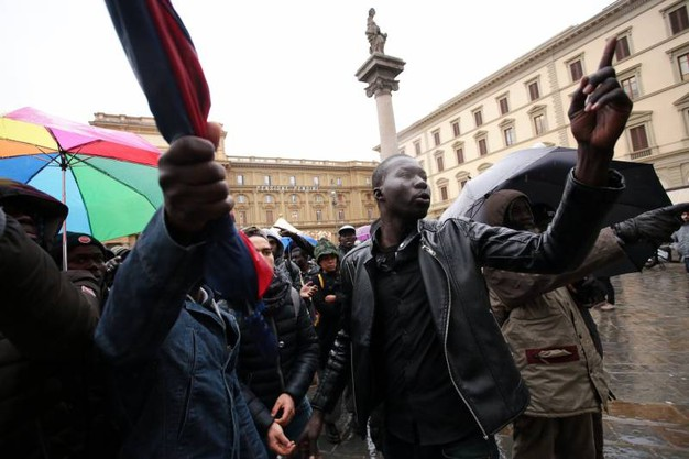 La protesta dei senegalesi (Giuseppe Cabras/New Press Photo)