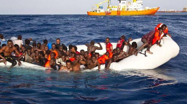 Un barcone di migranti a Lampedusa