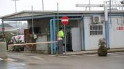 L'ingresso della discarica dove è stato trovato il corpo (IsolaPress)