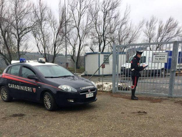 Indagano i carabinieri (IsolaPress)
