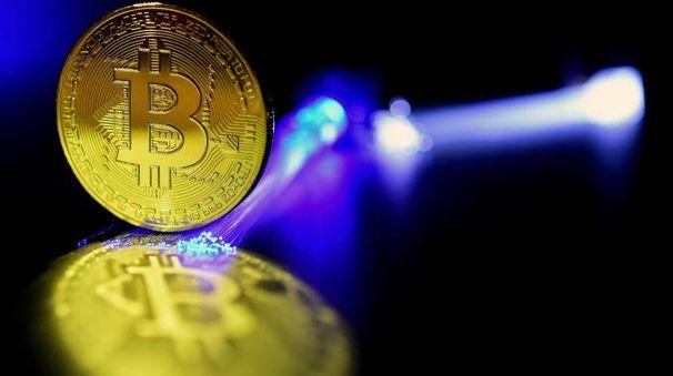 Bitcoin (foto Ansa)